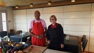 Kokken og assistenten